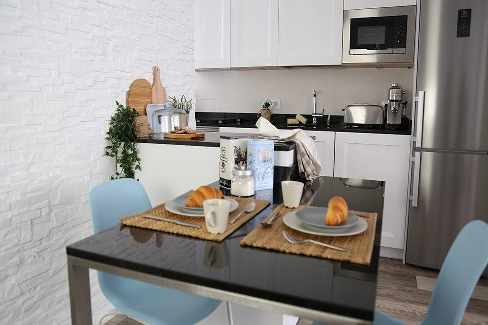 Cocina peque a blanca y de estilo n rdico l nea 3 cocinas - Linea 3 cocinas ...