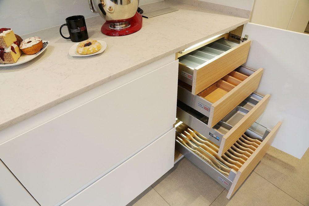Extraibles, rinconeras y almacenaje en gavetas
