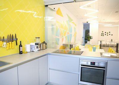 Línea 3 Cocinas Amarilla y Gris