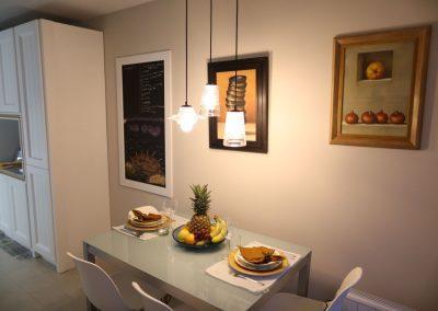 Línea 3 Cocinas Mesas y Sillas