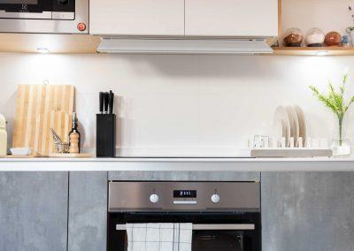 cocina_moderna_abierta_salon_un_solo_frente_3