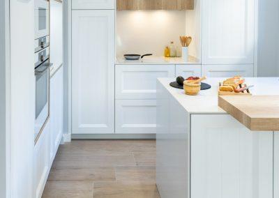 linea3cocinas_cocina_moderna_abierta_salon_blanca_barquillo_nordico_-9