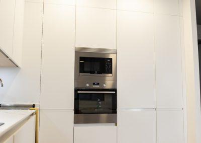 cocina_blanca_moderna_encimera_dekton_5