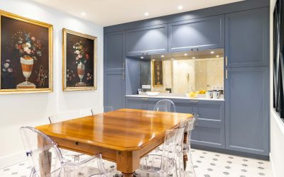 Cocina classic blue con office y lavadero