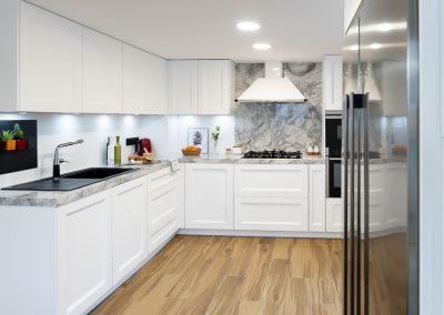 Cocina blanca barquillo con encimera portobello-7