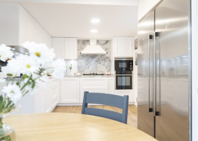 Cocina blanca barquillo con encimera portobello-9