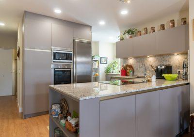 cocina abierta al salon con peninsula-2