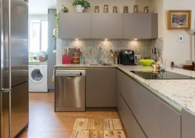 cocina abierta al salon con peninsula-5