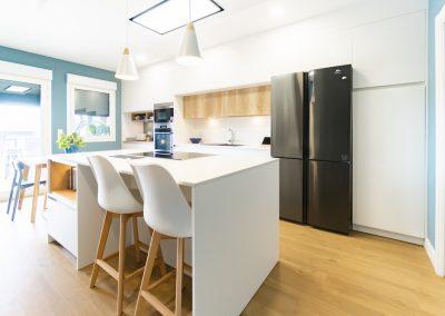 cocina blanca y moderna con isla_2