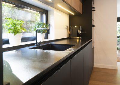 cocina moderna abierta al salon con isla-6