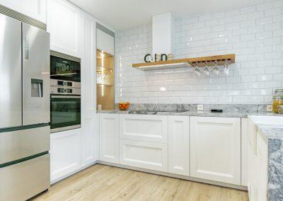 cocina blanca en forma de U (3)
