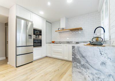 cocina blanca en forma de U (4)