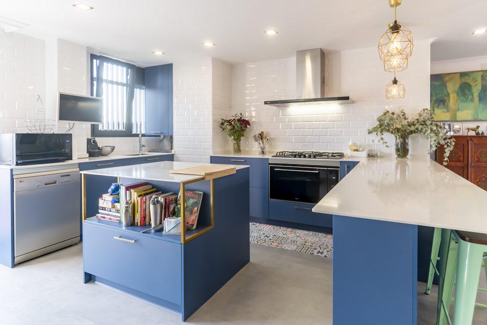 Cocina CLASSIC BLUE abierta al salón