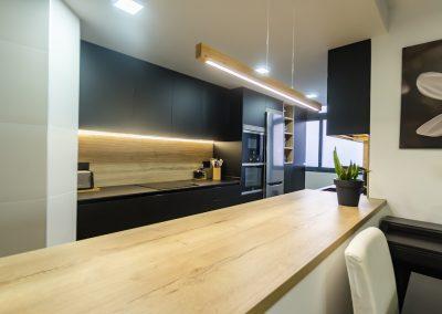 cocina_negra_pasillo_0-5
