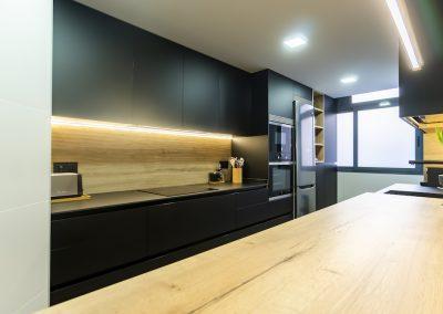 cocina_negra_pasillo_0-6
